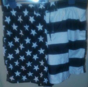 Mens swim trunks USA flag Like New condition!